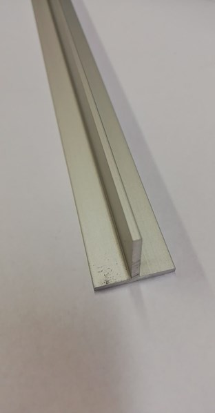 Profil T   20*20*2   1000A /78,40 Kč/ks