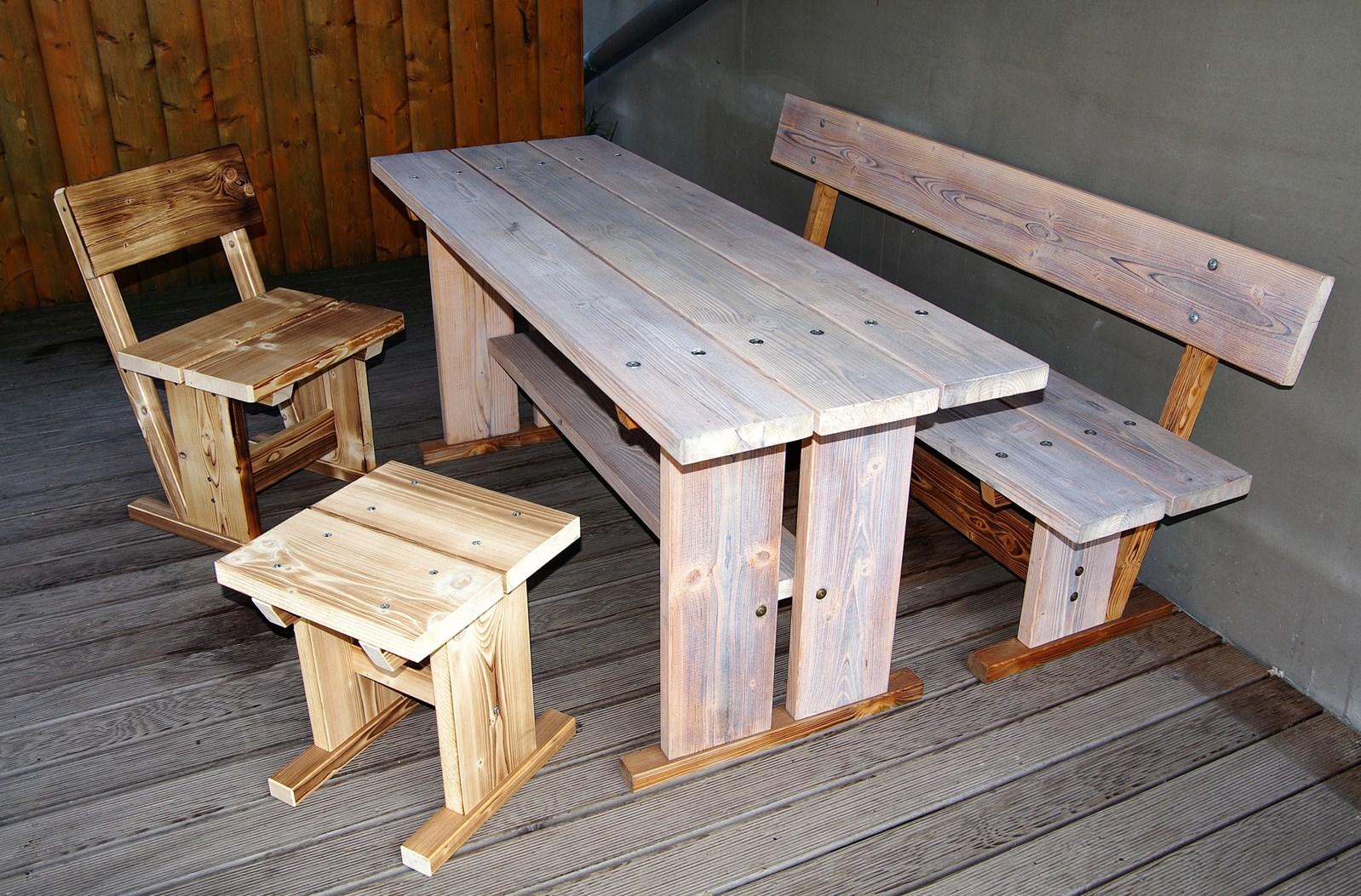 Naše práce - Zahradní stůl + lavice 2ks