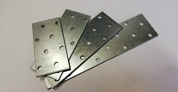 PLECH děrovaný   60*120*2 /9,10 Kč/ks