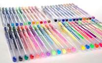 Malujte gelovými pery s různými efekty. Kvalitní gelovky oceníte nejen při kreslení detailů.