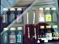 Sennelier, 134025, Calligraphy wood ink set, kaligrafická sada, 12 ks inkoustů a příslušenství