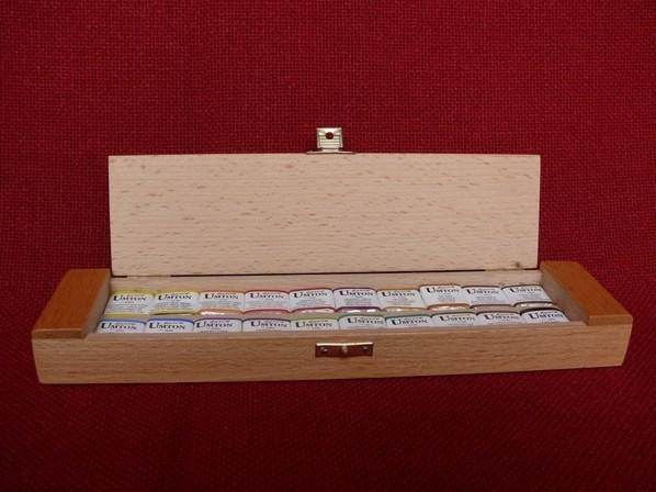 Umton, Q-20, Sada akvarelových barev v dřevěné kazetě, 2,6 ml, 20 kusů