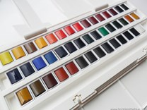 Winsor & Newton, WN0390471, Cotman Water Colours, umělecké akvarelové barvy, 45 barev v půlpánvičkách