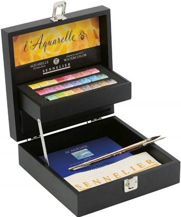 Sennelier, 131631, L´ Aquarelle, mistrovské akvarelové barvy v černém kufříku, 24 1/2 pánviček s příslušenstvím