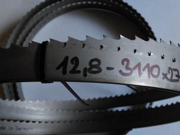 Pilový pás na dřevo bimetal 3400x27x0,9 z=2 t=12,8 KMENOVÝ