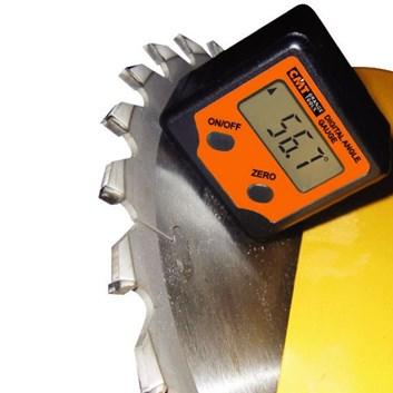 CMT Digitální úhloměr - +/- 180°, rozlišení na 0,1°